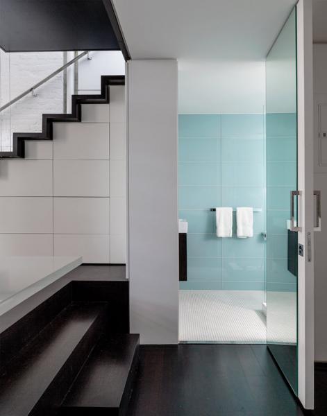 Original apartment in NYC_bathroom