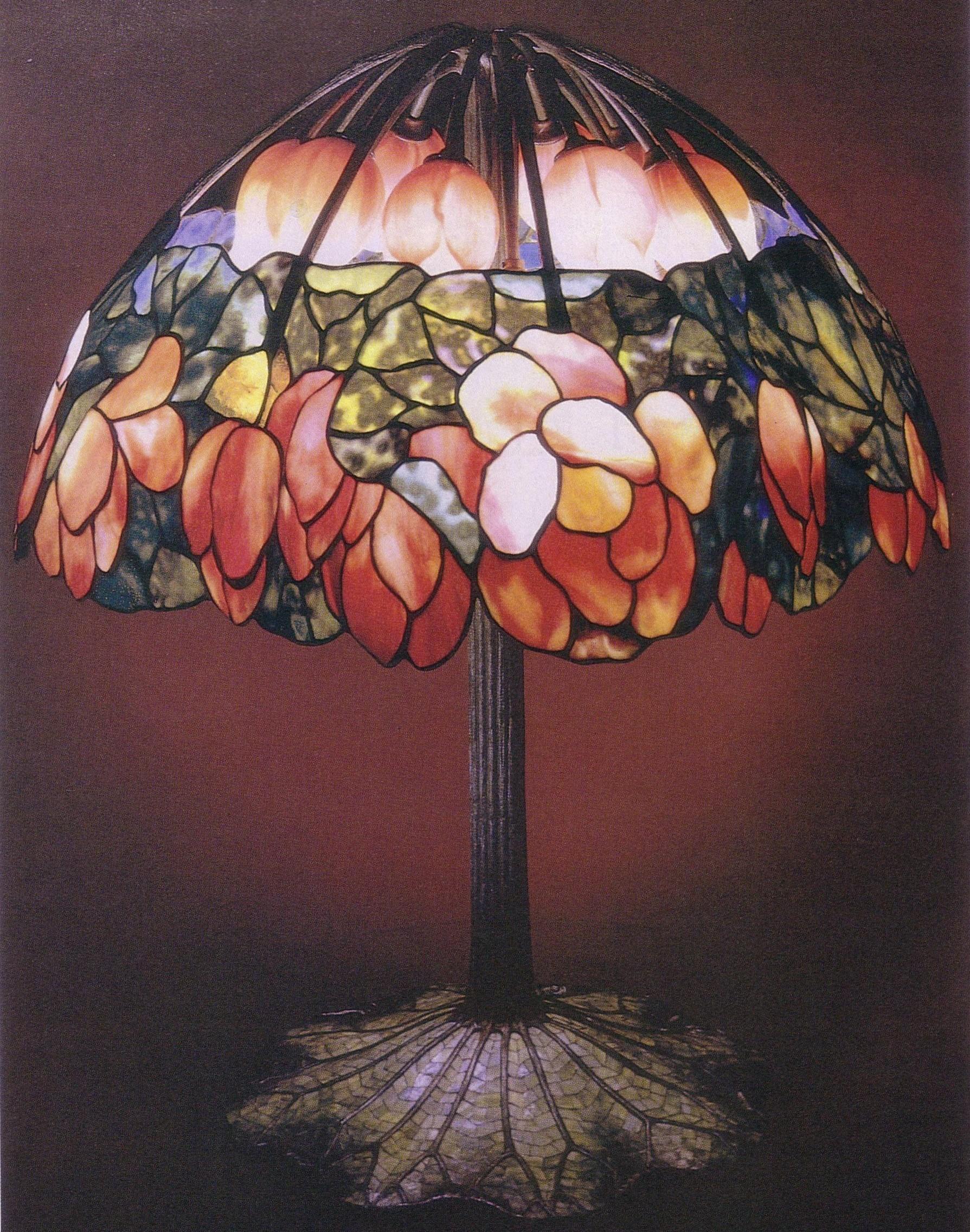 Lotus lamp_Tiffanys