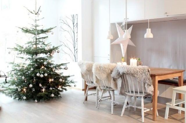 Una Navidad decorada con estrellas_08