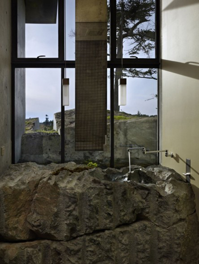 House on a rock_09