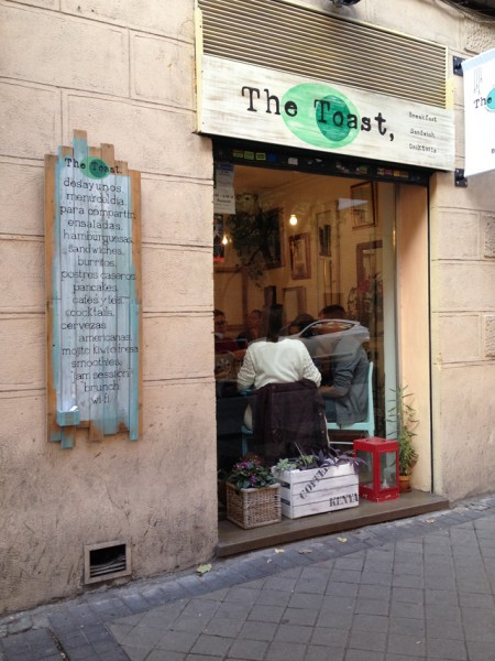 *Resto - Bar* Brunch at the toast cafe in Madrid_02